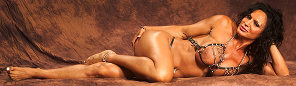 Rhondalee Quarsema nude female bodybuilder muscle sexy erotic, Bill Dobbins, Los Angeles, Photographer, Studio, California, fitness, figure, physique, model, breasts, ass, glutes, video